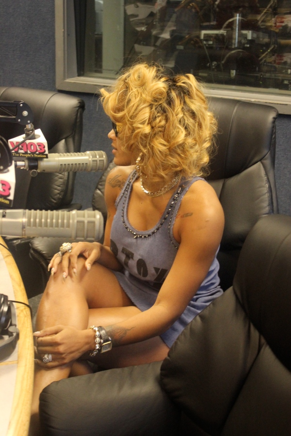 Joseline switches up her hair color. Is she giving  us Ciarra or Rhiana tease?